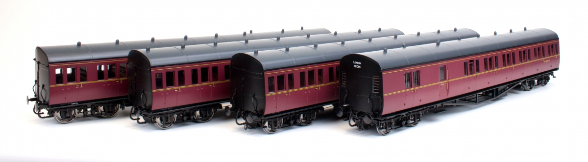 Suburban B 4 Coach Set BR London #34 Lined Maroon